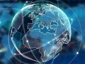 我国立法要求:维护网络空间的活动、资产和其他利益的安全