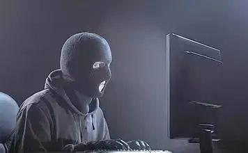 80后小伙曾因为黑客入狱,铁窗生涯结识了大哥,出狱后,这位大哥带着他走向了另外一条毁灭的道路!