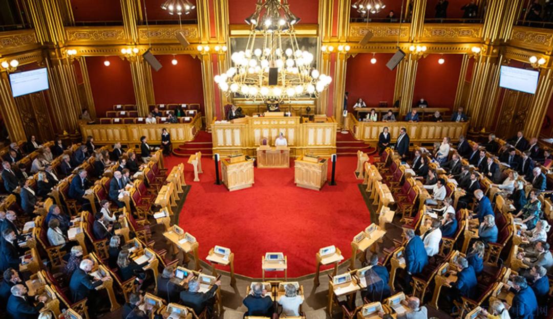 微软发布的3月份补丁可导致Win10在打印时蓝屏;挪威议会的Exchange遭到0day攻击,导致数据泄露
