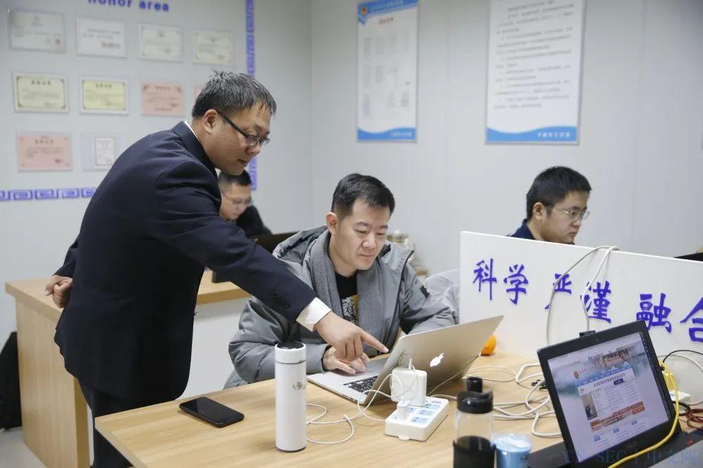 """【全市政法英模:卞新平】科技强检的""""排头兵"""""""