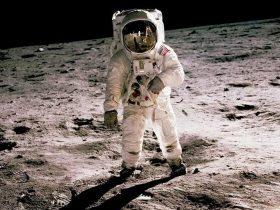 """地球和宇宙之战:卫星网络会""""制霸""""地球吗?"""