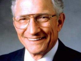 纪念集成电路之父、英特尔创始人罗伯特·诺伊斯84周年诞辰